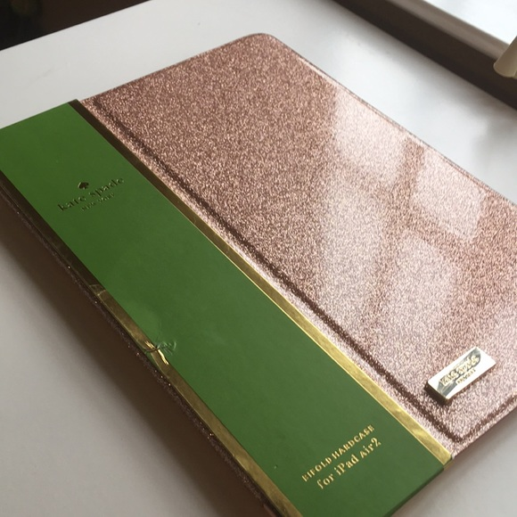 sports shoes 850e3 59122 Kate Spade iPad Air 2 case in rose gold NWT